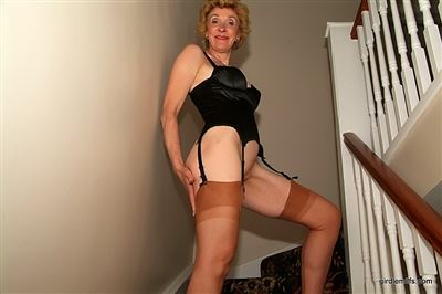 Girdle Milfs password