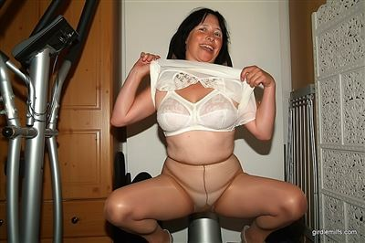Girdle Milfs tube